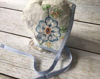 Vintage Embroidery Bonnet, Blue Baby Bonnet, Floral Reversible Bonnet, Vintage Style Bonnet, Eco Baby, Retro Embroidered Bonnet, Light Blue