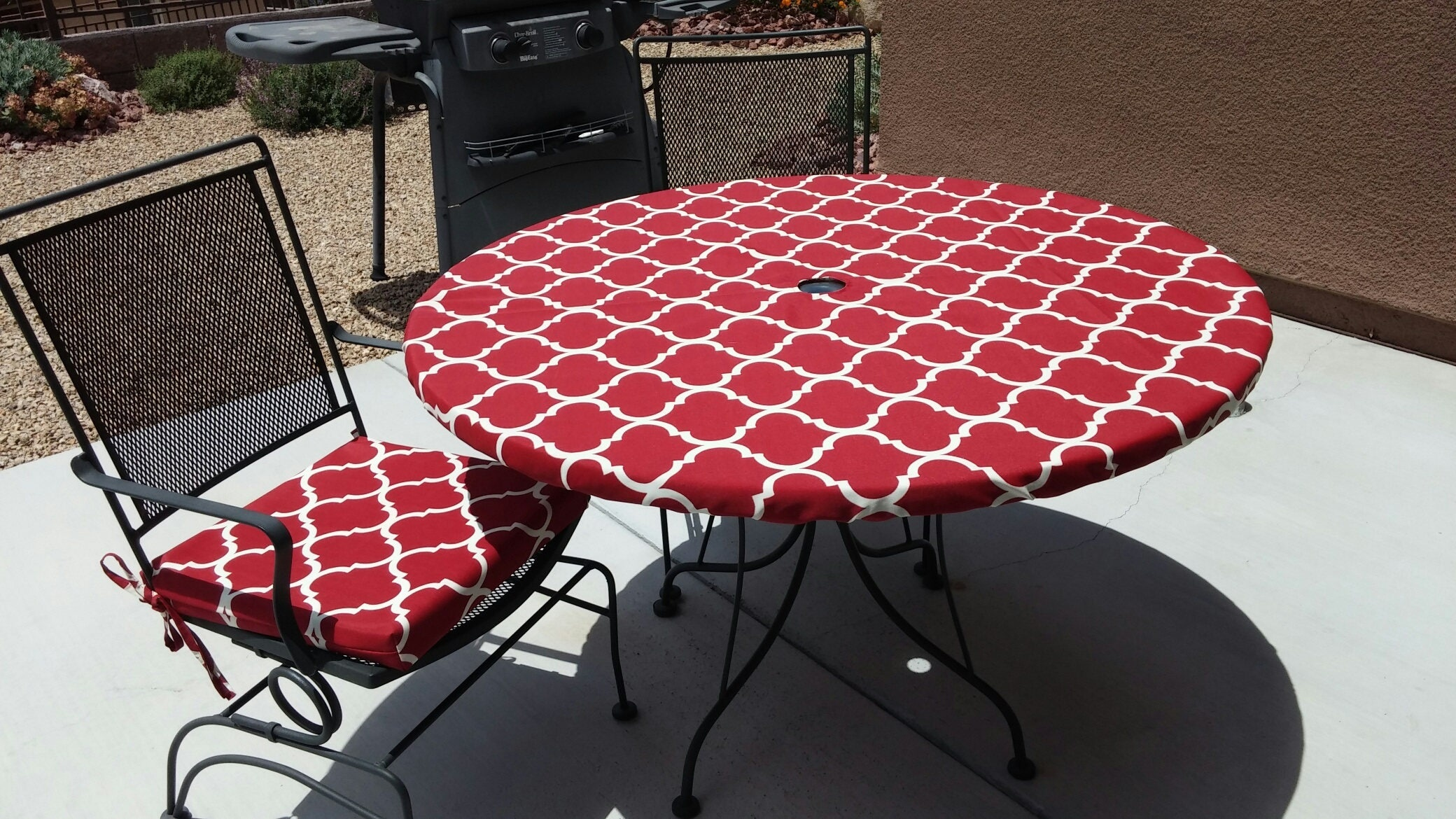 Round Fitted Tablecloth For Outdoor Dining With Umbrella Hole