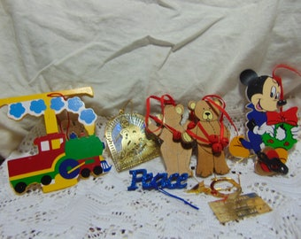 Christmas ornaments lot of 8