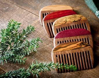 Wooden Beard Comb - Walnut