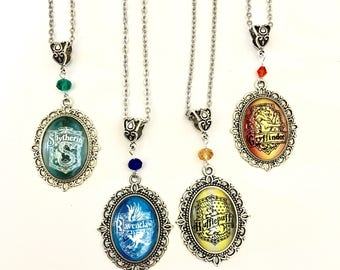 House crest pendant necklace *Harry Potter inspired* Ravenclaw Gryffindor Slytherin Hufflepuff