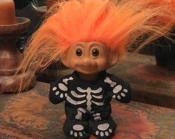 Miniature Halloween skeleton Troll