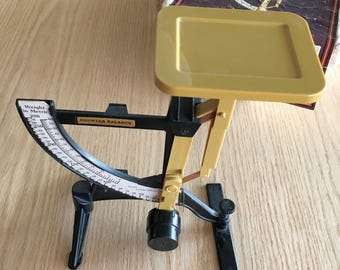 Vintage 1970s counter balance office scale