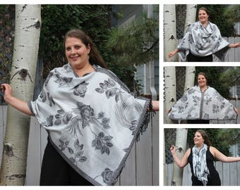 Black and White Rose Pashmina Poncho Shawl