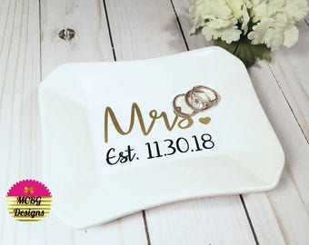 Pereonalized Date Mrs. Ring Dish•Ring Dish•Wedding Gifts•Bridal Gifts•Anniversary Gifts•Christmas Gifts•Bridal Shower Gifts•Bridesmaid Gifts