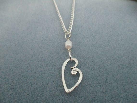 Freshwater Pearl and Heart Pendant Necklace N616178