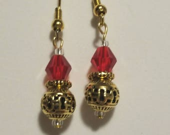 Red and gold Christmas earrings, Red and gold Christmas ornament earrings, Red and gold holiday party earrings
