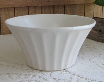 White McCoy Econo Line Planter Vintage Planters and Pots Mid Century Modern Home Décor Flared Indoor Gardens and Plants American Pottery