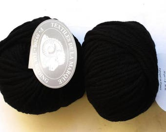 5 big skeins Pure wool N 8 black
