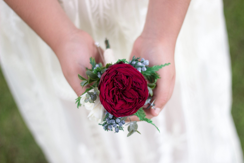 zoom - Garden Rose Boutonniere