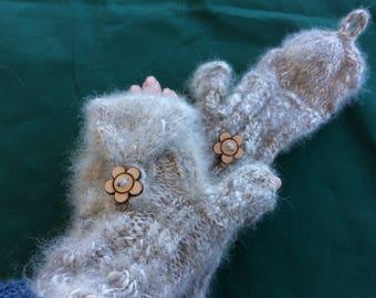 Wolfy warm mittens