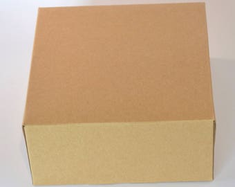 Box in kraft cardstock