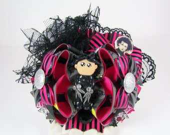 Edward Scissorhands / Edward / Burton / OTT Boutique Stacked Bows / 5 1/2 Inch Hair Bows / Twisted Boutique Bow / Pink and Black
