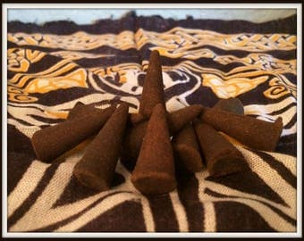Moon Cone Incense ~ Wicca ~ Witch ~ Rituals ~ Incense ~ Spell Casting ~ Altar ~ Aromatherapy ~ Moon Magick ~ Package of 10 Cones & Burner