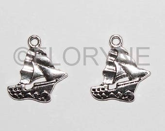 2 charms Pendants in Silver: sailboats