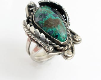 Southwestern Turquoise and Silver Ring with Dark Green Turquoise Oval Stone with Sterling Silver Beads and Feather Design // Sz: 6.5