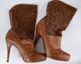 Vintage Womens Brown Tan Leather Suede Laser Cut Mid Calf High Heel Boots Size 6.5
