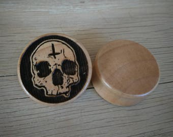 Pair of Satanic Skull Plugs (Pair) [Organic wood stretchers / Gauges 10mm - 60mm]