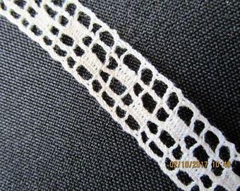 5.5 yards Vintage trim. Crochet trim. Cotton trim