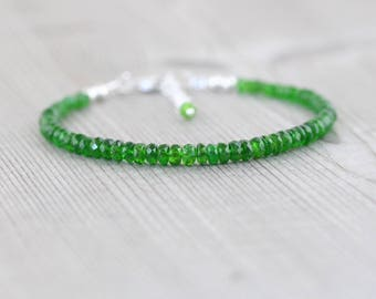 Chrome Diopside Beaded Stacking Bracelet in Sterling Silver or Gold Filled. Dainty Green Gemstone Bracelet. Beaded Jewelry. Jewellery