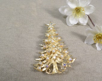LANCER! Beautiful Vintage Gold Tone AB Rhinestone And Faux Pearl Christmas Tree Signed Lancer  DL#2867