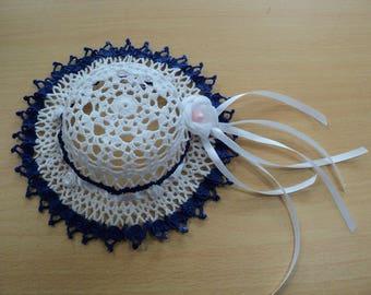 Decorative handmade hat, blue and white crochet Ø 19 cm
