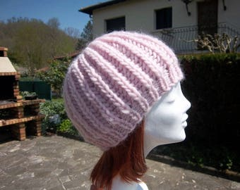 Hat made of natural wool (light pink)