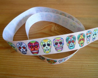 Ribbon grosgrain coupon 2 m, 25 mm, skulls on cream background.