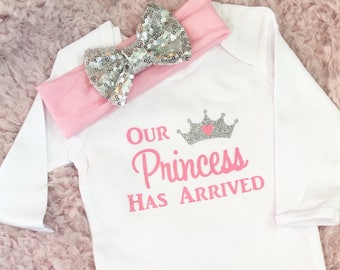 Pink Newborn Gown, Baby Girl Gown, Newborn Girl Gown, Going Home Outfit, Going Home Gown