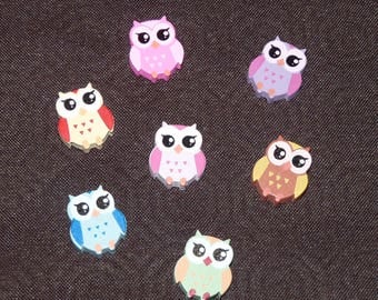 Owls different colors wooden beads.