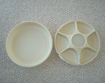 Large Vintage Tupperware Serving Center / Tray With 6 Compartments Removable Dip Bowl Vegetable/Relish Server