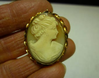 K39 Vintage Ali Marked Gold Filled Cameo Pin/Pendant.