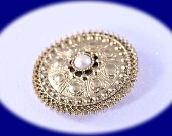 Vintage Scarf Clip With Pearl Gold Tone  Vintage Jewelry Scarf Clip Dress Clip