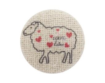 Linen sheep pattern 22 mm button