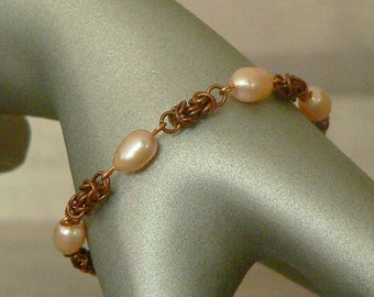 Freshwater Pearl & Copper Bracelet, Chainmail Bracelet, Chain Mail Bracelet. Cream Pearl Bracelet, Cream Bracelet, Chain Mail Jewellery