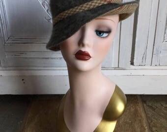 Vintage St. Micheal Ladies Country/Mod Hat - Green Wool/Tweed - 1960s