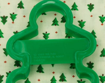1993 Wilton Green Gingerbread Boy Plastic Christmas Cookie Cutter Taiwan