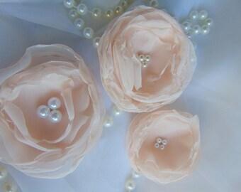 Pearl silk roses