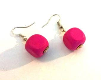 Fuchsia pink square wood beads and silver woman earrings
