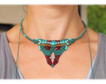 Macrame Collier Necklace, crimson green