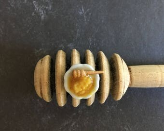 Dollhouse miniature raw honey with honey dipper