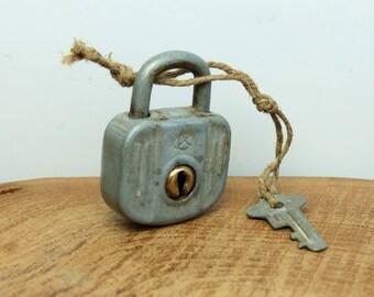Vintage working Padlock with Key Padlock Working Lock and Key / rusty padlocks / vintage lock industrial chic decor