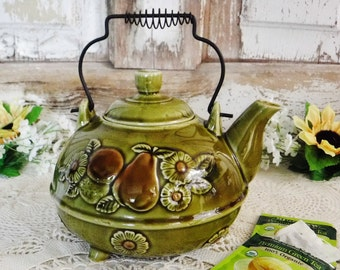 Decorative Teapot/Ceramic Teapot Avocado Green with Fruit & Daisy Flowers/Metal wire Handle/Footed/Japan/60's Vintage