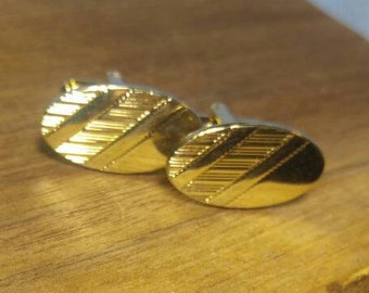 Handsome Gold Oval Cuff Links Cufflinks