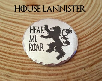 Game of Thrones Engraved Charm-House Lannister | Hear Me Roar | 1.25 Inch Aluminum Round Charm