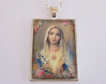 Virgin Mary Photo Pendant, Virgin Mary Necklace, Virgin Mary Jewelry, Catholic Art Pendant, Sacred Heart Pendant, Christian Jewelry