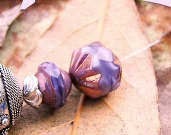 small price! 5 pearls of Bohemia - purple violet shades stone silky amber purple glossy finish - 12 mm in size