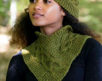 knit head band in  100% chunky wool,with cable pattern, warm  for winter, made by hand,  gift, only the head band is sold