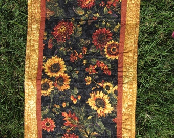 Quilted Table Topper, Quilted Table Runner, Quilted Centerpiece, Centerpiece, Runner, Table Topper, Fall Table Runner, Sunflowers