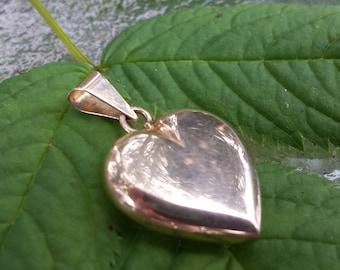 Vintage 14k Gold Puffy Heart Pendant Charm